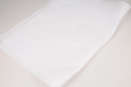 A000D9 Ream of 10kg sheets white kraft paper 50x65m