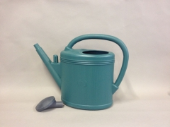 A000K7 Plastic watering can green 11L