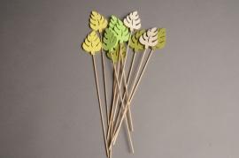 A001PH Sachet de 10 pics de feuilles en bois H31cm