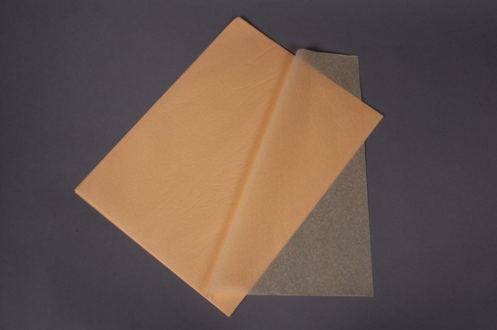 A004AS Paquet de 520 feuilles papier de soie vanille 50x75cm