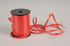 A004RB Red curling ribbon 7mm x 500m