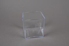 A005X9 Vase en plexi cristal cube transparent 10x10 H10cm