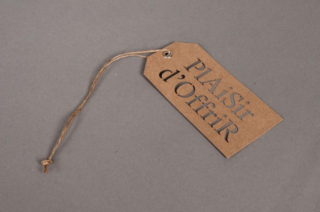 A006RT Set of 20 kraft labels Plaisir d'offrir 5,5X11cm