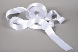A006UN Silver satin ribbon 40mm x 25m
