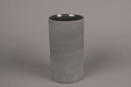 A009N8 Vase en terre cuite gris clair D12cm H22cm