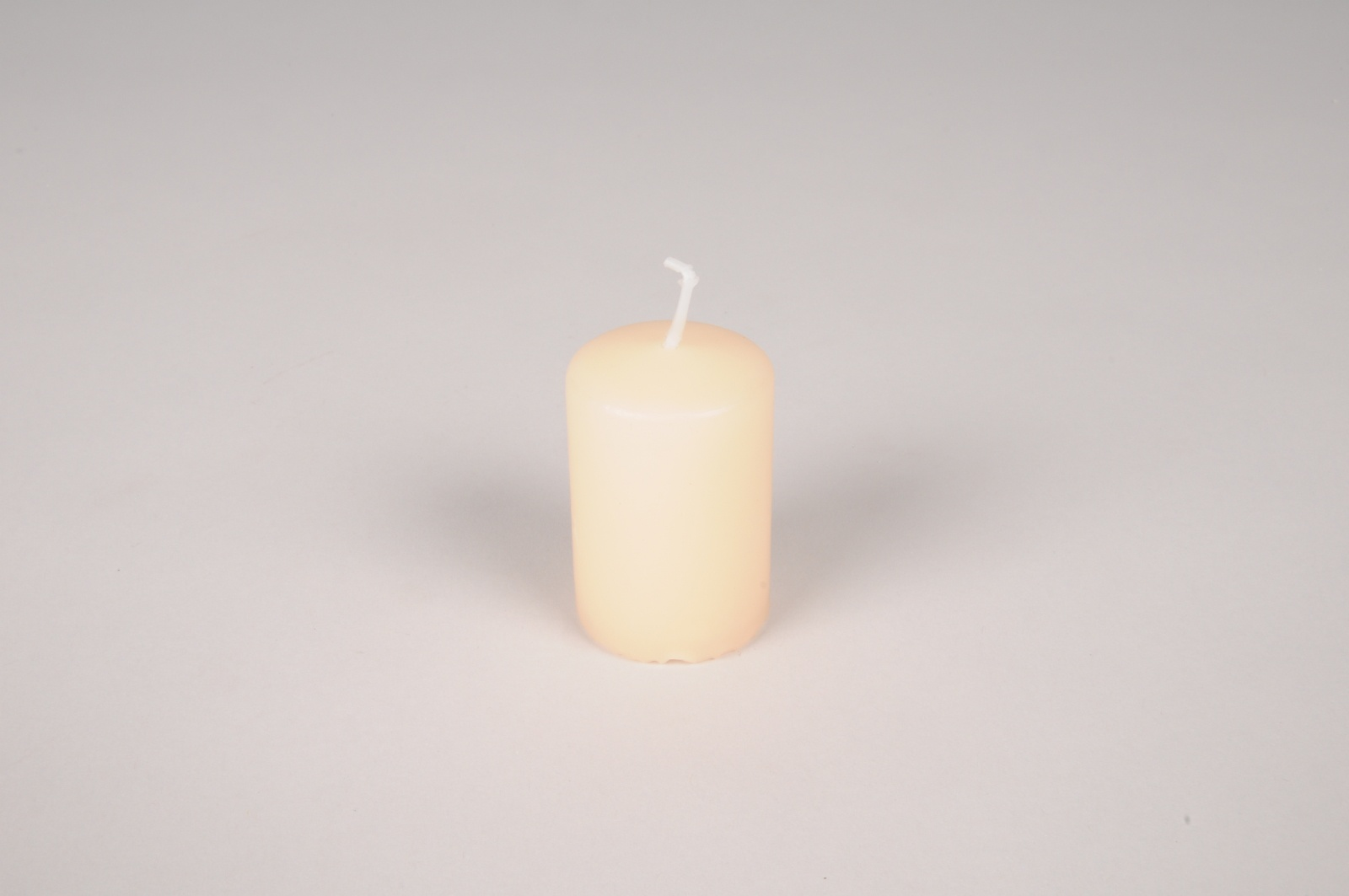 A010RP Bougies cylindriques ivoire D4cm H6cm