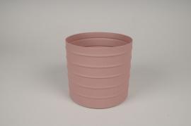 A010U9 Pink metal planter D15.5cm H14.5cm