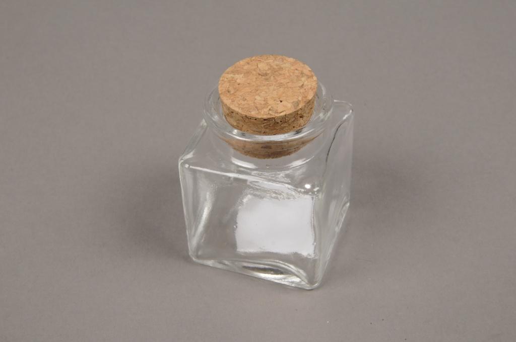 A011H9 Boite de 24 bouteilles en verre avec bouchon 4cm x 4cm H5.5cm