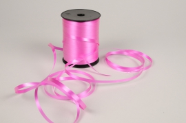A011RB Pink curling ribbon 7mm x 500m