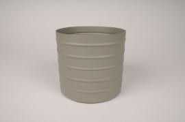 A011U9 Green Khaki metal planter D15.5cm H14cm