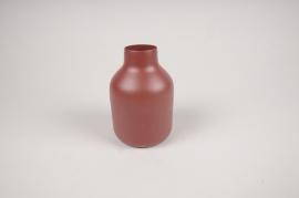 A012CC Vase en métal rouge D9cm H14cm