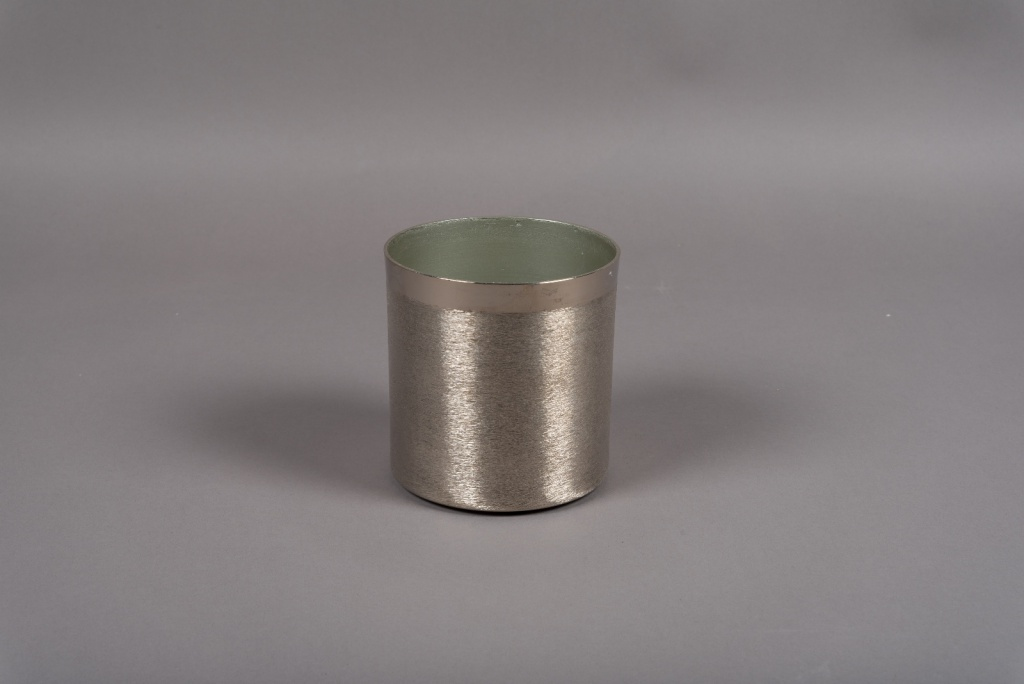 A013E5 Silver brushed metal vase D13cm H13.5cm