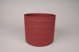 A013U9 Red metal planter D20.5cm H18cm