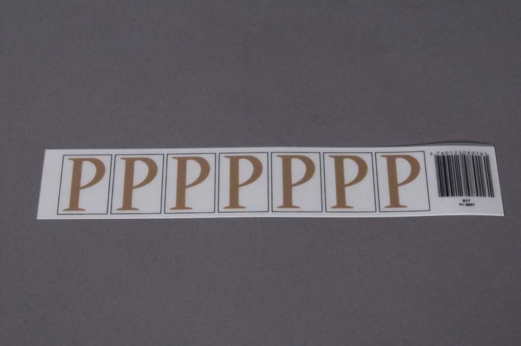 A017K4 Set of 70 letters P 33mm