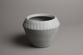 A018T3 Cache-pot céramique évasé gris D17cm H14cm