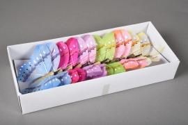 A020E9 Boîte de 12 pics papillons en plume D12cm