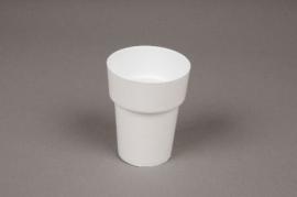 A022R2 Plastic pot white D6cm H8cm