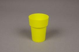 A023R2 Pot en plastique vert D6cm H8cm