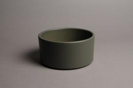 A024A8 Green ceramic planter pot D17cm H9cm