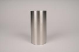 A024E0 Bougeoir cylindre métal argent D7.5cm H15cm