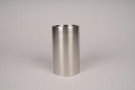 A033E0 Bougeoir cylindre métal or D8.5cm H15cm
