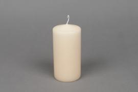 A033E2 Boîte de 16 bougies cylindre ivoire D6cm H12cm