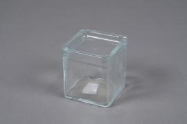 A037R4 Glass cube vase 7x7cm H8cm