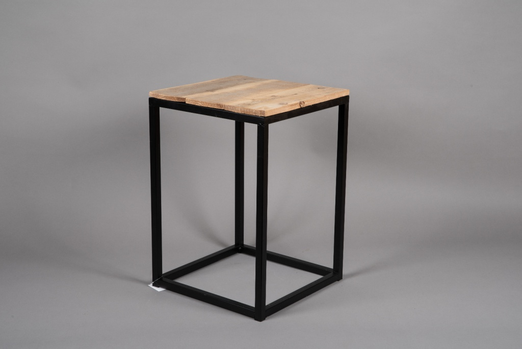 A039AY Wooden and metal stand 35cm x 35cm H50cm