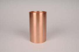 A039E0 Bougeoir cylindre métal cuivre D8.5cm H15cm