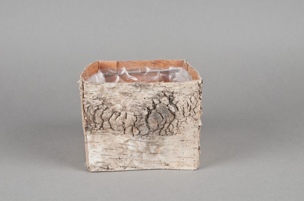 A040DZ Natural bark planter 13x13x11cm