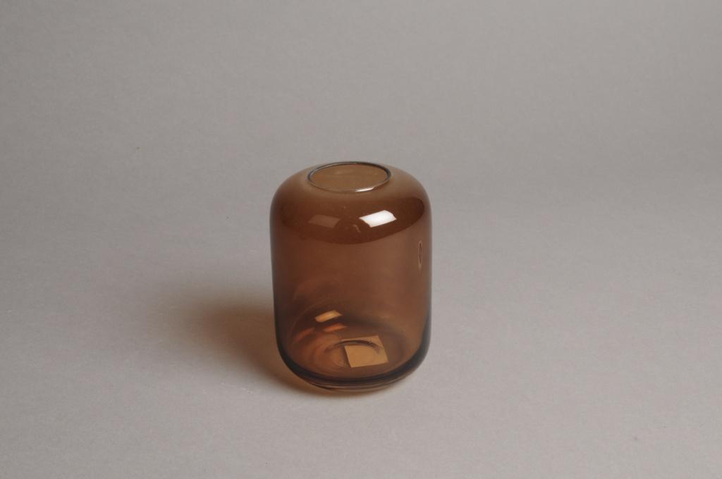 A040P5 Vase en verre ambre D8cm H11cm