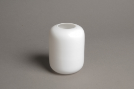A042P5 White glass vase D8cm H11cm