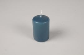 A042RP Boîte de 24 bougies cylindre bleu pétrole D4cm H6cm