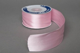A043UN Satin ribbon pink 40mm x 25m