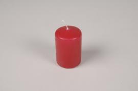 A045RP Boîte de 24 bougies cylindre rouges D4cm H6cm