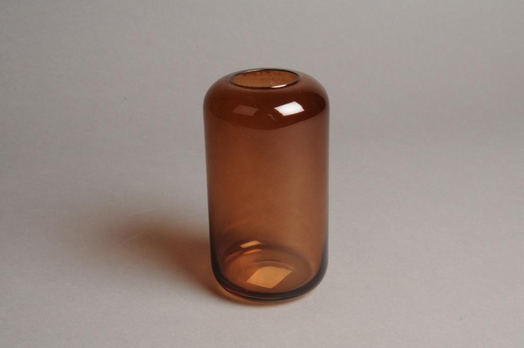 A048P5 Vase en verre ambre D8cm H15cm