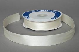 A050UN Satin ribbon ivory width 25mm length 50m