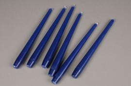 A052IR Boîte de 12 bougies bleu H25cm
