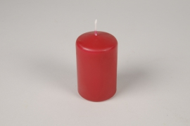 A052RP Boîte de 24 bougies cylindre rouges D5cm H8cm