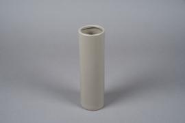 A052WV Vase en céramique taupe D8cm H28cm