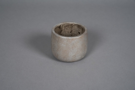 A055U0 Pearly grey concrete planter D10cm H9cm