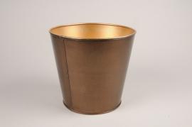 A061JY Gold metal planter D15.5cm H16cm