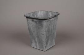 A061Q4 Cache-pot en zinc vieilli 15.5cm x 15.5cm H21cm