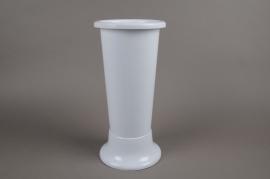 A061T7 White plastic vase D18cm H45cm