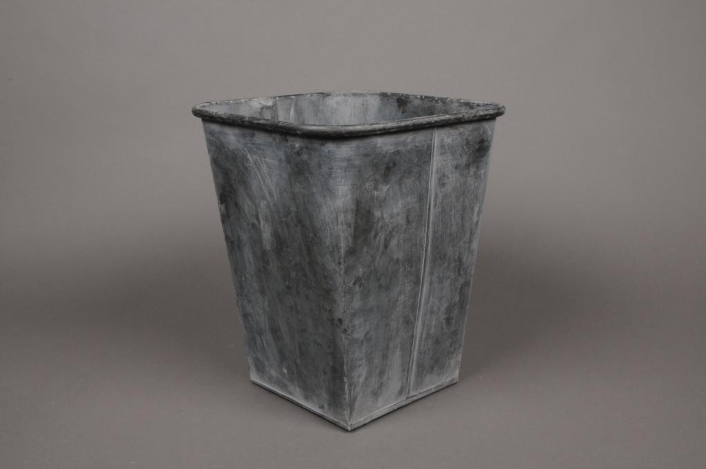 Cache pot zinc