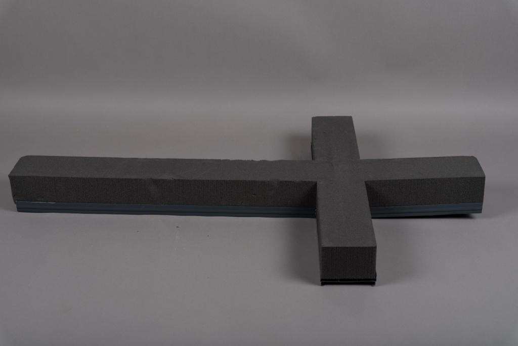 A071QV Cross floral foam 100x60cm