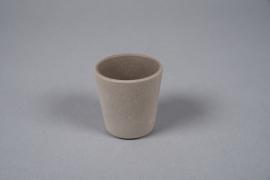 A072T3 Cache-pot en ciment taupe D7cm H7cm