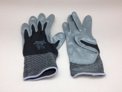 A086L5 Pair of gloves M