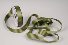 A102UN Ruban de satin vert olive 25mm x 20m