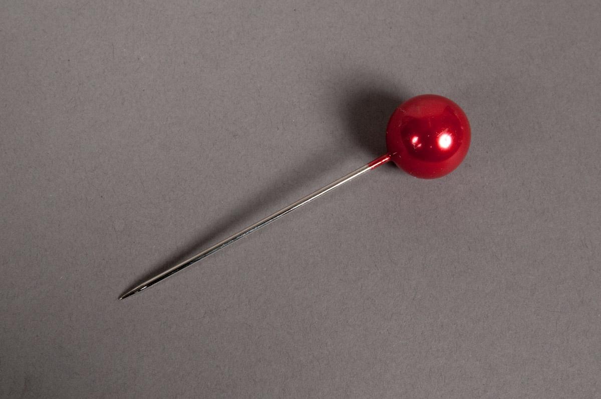 A105MG Boîte de 250 perles sur épingle rouge 10x60mm
